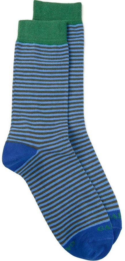 Calcetines de rayas horizontales azules