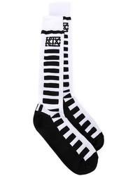 Calcetines de rayas horizontales en blanco y negro de Kokon To Zai