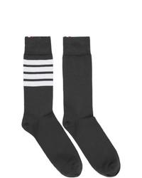 Calcetines de rayas horizontales en gris oscuro de Thom Browne