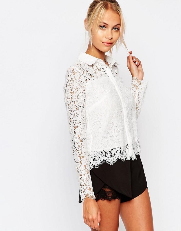 eed2fbd52 ... Camisa de encaje con print de flores blanca de Fashion Union ...