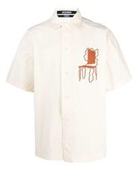 Camisa de manga corta bordada en beige de Jacquemus