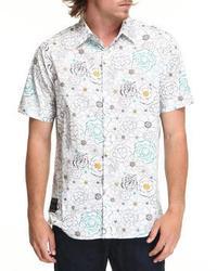 Camisa de manga corta con print de flores en blanco y azul