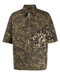 Camisa de manga corta de camuflaje verde oliva de Givenchy