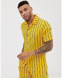 Camisa de manga corta de rayas verticales amarilla de Liquor N Poker