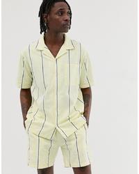Camisa de manga corta de rayas verticales amarilla de Sweet Sktbs