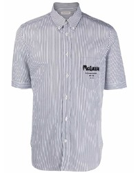 Camisa de manga corta de rayas verticales en blanco y azul marino de Alexander McQueen