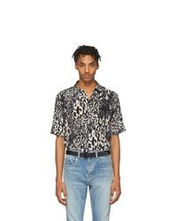 Camisa de manga corta de seda de leopardo negra de Saint Laurent