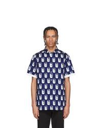 Camisa de manga corta estampada en azul marino y blanco