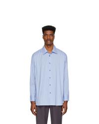 Camisa de manga larga de rayas verticales en blanco y azul de Andersson Bell