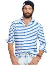 Camisa de vestir de rayas horizontales en blanco y azul