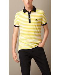 Camisa polo de rayas horizontales amarilla