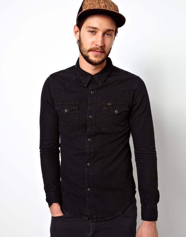 vaqueros con camisa negra