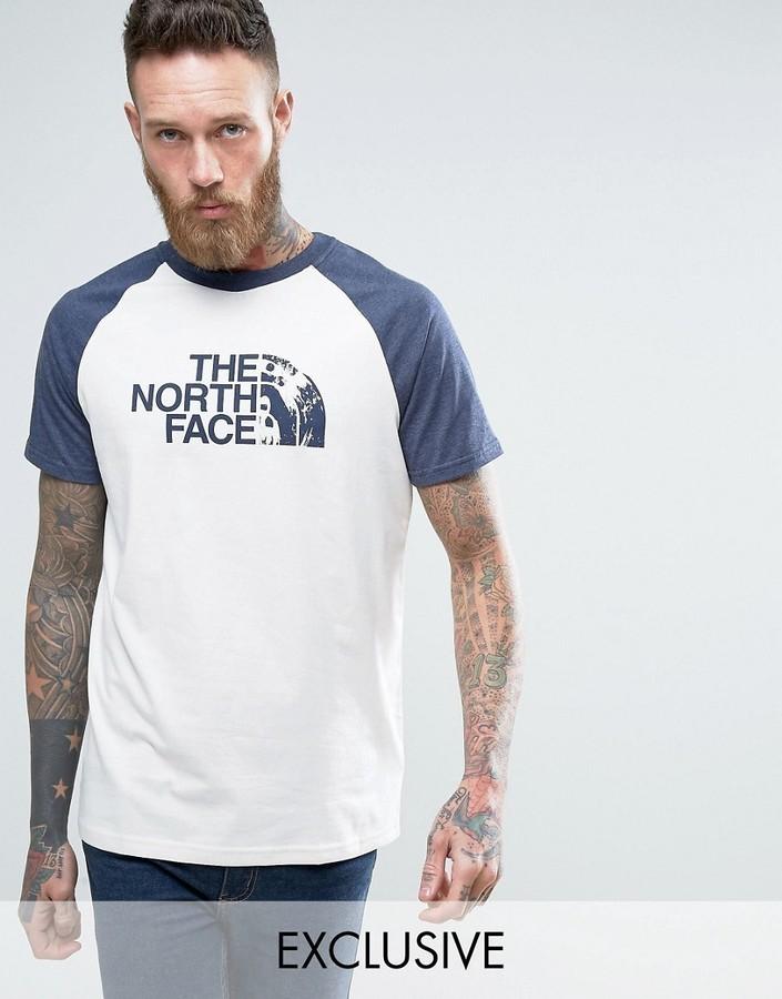 camiseta blanca north face