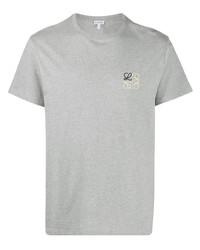 Camiseta con cuello circular bordada gris de Loewe