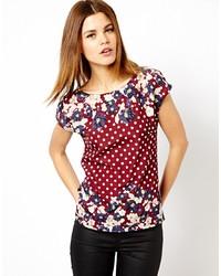 Camiseta con cuello circular con print de flores burdeos
