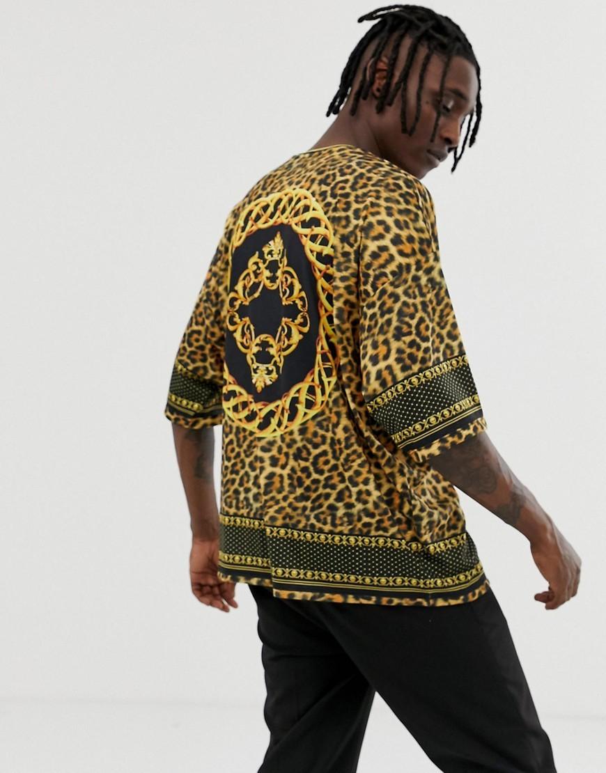 Camiseta con cuello circular de leopardo mostaza de ASOS DESIGN