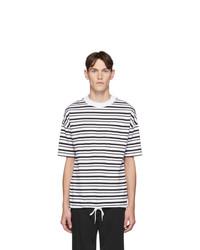 Camiseta con cuello circular de rayas horizontales en blanco y negro de BOSS