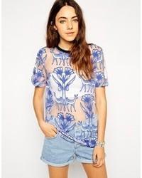 Camiseta con cuello circular estampada azul de Asos
