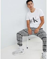 Camiseta con cuello circular estampada en blanco y negro de Calvin Klein Jeans