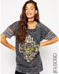Camiseta con cuello circular estampada en gris oscuro de Asos