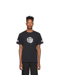 Camiseta con cuello circular estampada en negro y blanco de Vetements