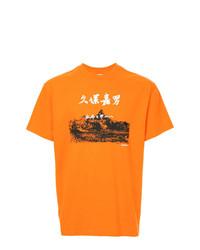Camiseta con cuello circular estampada naranja de Yoshiokubo