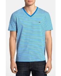 Camiseta con cuello en v en blanco y azul
