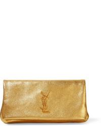 Cartera sobre de cuero con relieve dorada de Saint Laurent
