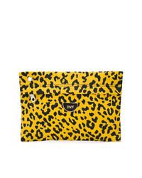 Cartera sobre de cuero de leopardo amarilla de Dvf Diane Von Furstenberg