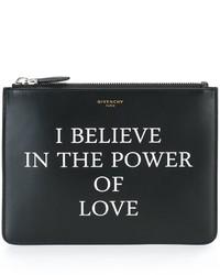 Cartera sobre de cuero estampada negra de Givenchy
