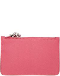 Cartera sobre de cuero rosa de Alexander McQueen