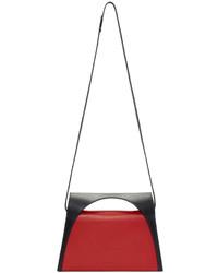 Cartera sobre en rojo y negro de J.W.Anderson