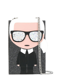Cartera sobre estampada negra de Karl Lagerfeld