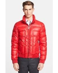 Como combinar chaqueta roja hombre