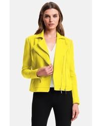 719f207d1fdb9 Cómo combinar una chaqueta amarilla (56 looks de moda)