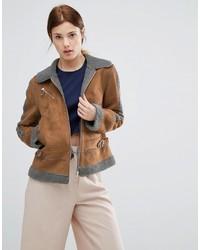 Chaqueta de piel de oveja marrón claro de Urban Code