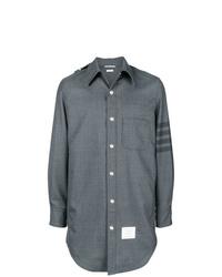 Chaqueta estilo camisa gris de Thom Browne