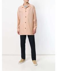 Chaqueta estilo camisa rosada de Stephan Schneider
