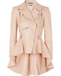 Chaqueta motera de cuero rosada de Alexander McQueen