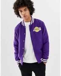 Chaqueta varsity en violeta de New Era