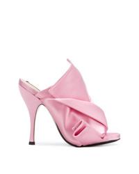 Chinelas de satén rosadas de N°21