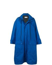 Chubasquero azul de Balenciaga