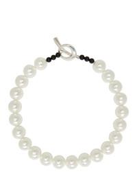 Collar de perlas blanco de Sophie Buhai