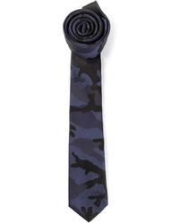 Corbata de camuflaje azul marino de Valentino