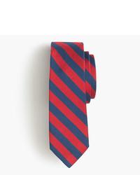 Corbata de rayas horizontales
