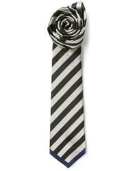 Corbata de rayas verticales en blanco y negro de Valentino