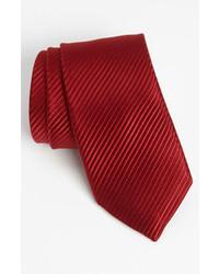 Corbata de rayas verticales