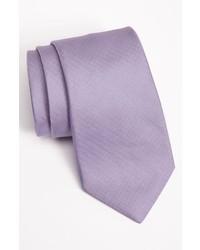 Corbata violeta claro