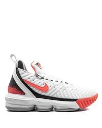 Deportivas en blanco y rojo de Nike