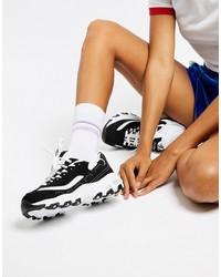 Deportivas en negro y blanco de Skechers